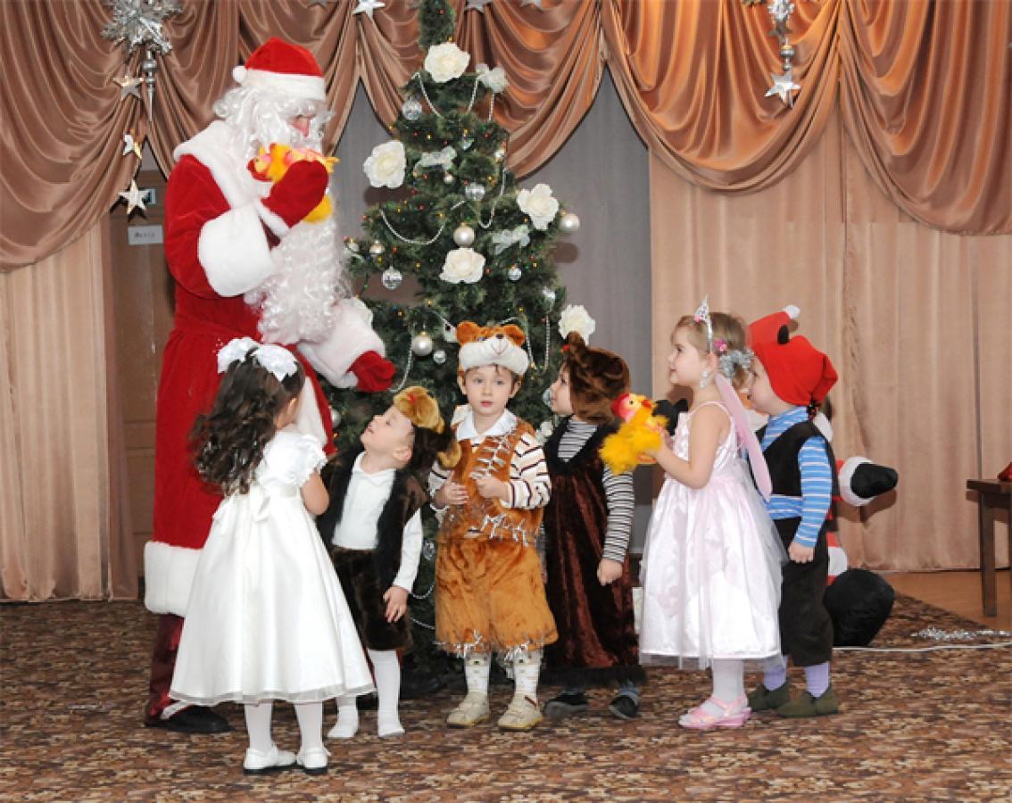 Организация праздников и мероприятий в Саратове. Дед Мороз в школу