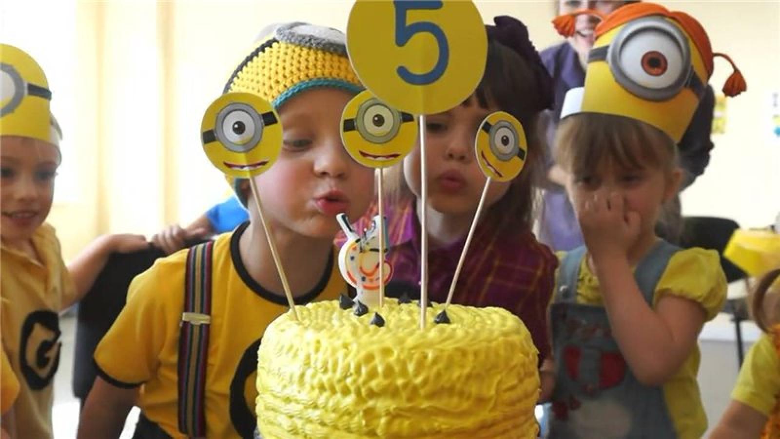 дом построите(((условия день рождения миньоны 10 лет игры: доставщик пиццы